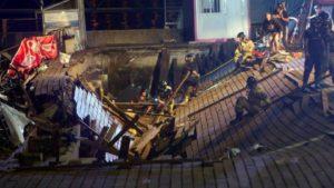 Más de 300 heridos, al menos cinco graves, al colapsar el suelo durante un festival en Vigo.